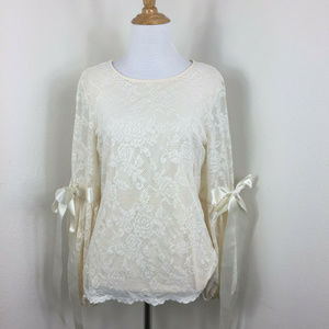 Vince Camuto Princess Sleeves Lace Top Blouse Sz S